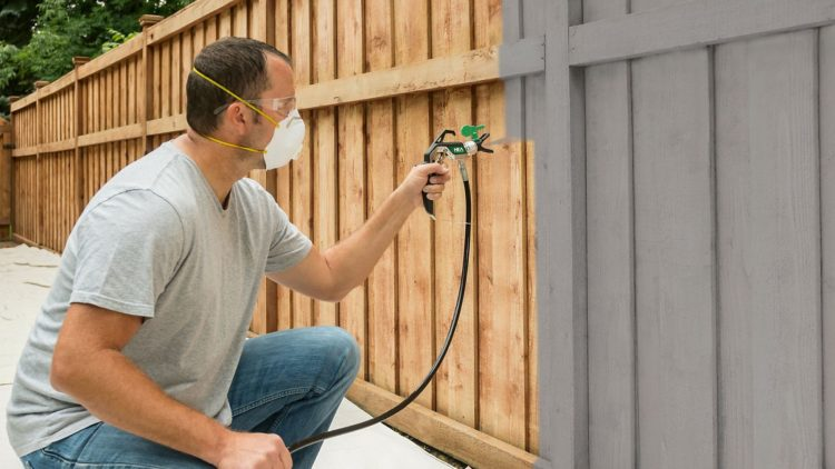 how to paint spray a fence